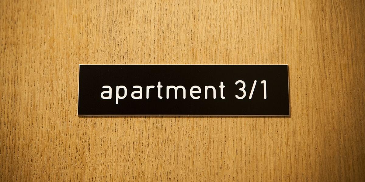 apartementbordje van de derde verdieping flat van aplace antwerp