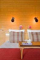 opgemaakt bed in de square view suite van aplace antwerp